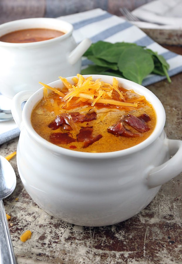 Warm yourself up in the cold with some delicious Bacon Cheeseburger Soup | Shared via www.ruled.me/