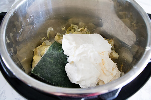 Instant Pot Artichoke and Spinach Dip