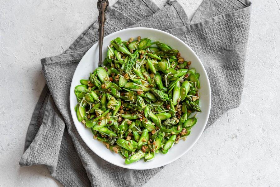 Keto Asparagus Walnut Salad